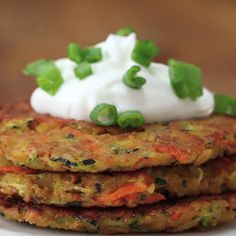 Eat Stop Eat To Loss Weight - Zucchini Carrot Fritters - In Just One Day This Simple Strategy Frees You From Complicated Diet Rules - And Eliminates Rebound Weight Gain Veggie Dishes, Vegetable Recipes, Vegetarian Recipes, Healthy Recipes, Vegetarian Casserole, Carrot Recipes, Vegan Vegetarian, Tasty Videos, Food Videos
