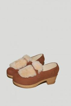 Fur Closed Back Loafer on Mid Heel in Tobacco/Cream