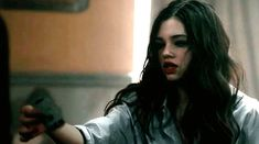 India Eisley Kite Gif hunt