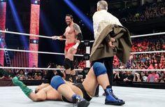 Raw 1/7/13: Santino Marella vs. Wade Barrett