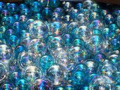 invisiblefun:  bubblesx reflection