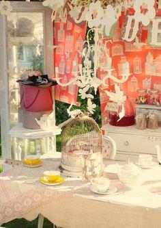 Alice in Wonderland Guest Dessert Feature   Amy Atlas Events