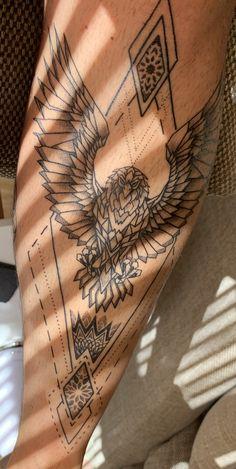 Eagle Tattoo on shin. Geometric Blackwork tattoo leg Eagle Tattoo on Leg Eagle Tattoo Arm, Eagle Tattoos, Leg Tattoo Men, Bird Tattoo Men, Snake Tattoo, Chest Tattoo, Back Neck Tattoo Men, Tattoo Thigh, Shin Tattoo