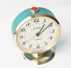 #vintage #clock #turquoise love to have this by my bed