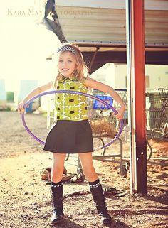 Retro 1970s Style Hula Hoop  pleated  dress