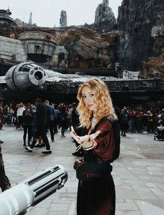 Instagram-Worthy Spots in Star Wars: Galaxy's Edge — Sisters & Disney