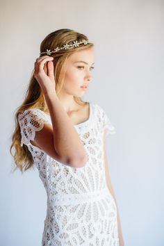 Top 20 Bridal Headpieces of 2016 — the bohemian wedding Bohemian Wedding Hair, Wedding Hair Down, Wedding Hairstyles For Long Hair, Headpiece Wedding, Bridal Headpieces, Down Hairstyles, Hair Flow, Wedding Hair Inspiration, Long Hair Styles