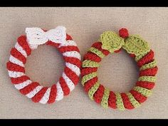 Crochet Christmas wreath very easy. My channel in Spanish . Christmas is coming! And I teach you how to make these beautiful Christmas wreaths. I hope you l Crochet Christmas Wreath, Crochet Christmas Decorations, Christmas Wreaths To Make, Christmas Crafts, Christmas Christmas, Christmas To Do List, Crochet Projects, Crochet Tutorials, Tutorial Crochet