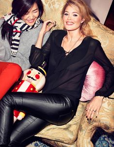 hm holiday1 See More Images for H&Ms Holiday Ads with Christy, Liu & Doutzen