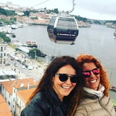 Girls just having fun #teleferico #telefericodegaia #porto #portugal #gaia #travel #douro #river #douroriver #vacation by murielpalti