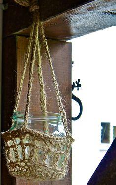 Jar candle holder in jute rope.