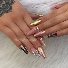 Best Nail Art Decorations To Choose Beautiful Nail Art, Gorgeous Nails, Pretty Nails, Elegant Nail Designs, Elegant Nails, Acrylic Nail Designs, Nail Art Designs, Les Nails, Nailart