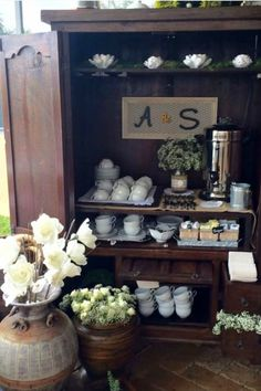 Repurposed china cabinet hutch redo ideas we LOVE - this refurbished china cabinet is now a GORGEOUS coffee bar! Hutch Redo, Hutch Cabinet, Coffee Bars In Kitchen, Coffee Bar Home, Repurposed China Cabinet, Dining Room Hutch, Upcycled Furniture, Clever Diy, Entryway Tables