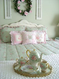 Pink and Green Shabby Bedroom.