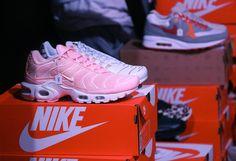 Sneakers women - Nike Air Max TN pink