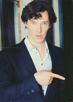 The eyes, the curls, the hand, the neck and the glimpse of chest. It's enough to send me to the madhouse!