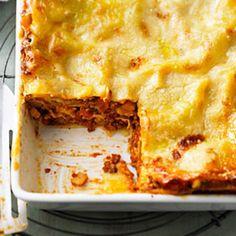 """Lasagne: So wird der Klassiker perfekt - """"Lasagne ist ein köstlicher Klassiker. Wir haben das Rezept für die perfekte Lasagne mit Hackfleisch und Béchamel - plus Rezepte für Lasagne-Varianten."""""""