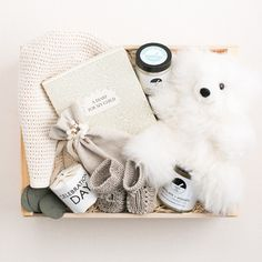 Perfect neutral gift set for baby - Simone Leblanc