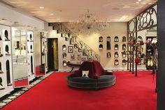 /Louboutin-Shop1.jpg♥