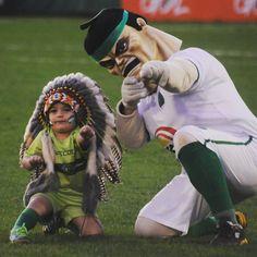 O mundo, não só esportivo, está de luto, 76 pessoas tiveram suas vidas interrompidas de maneira brusca, a maioria delas em seu auge, no momento mais precioso de suas vidas, não tenho nem palavras para descrever tal acontecimento, simplesmente trágico. Só desejo que as famílias se recuperem e que o clube se reerga, pois com certeza esses guerreiros iriam querer isso, muito obrigado pela contribuição de vocês ao esporte brasileiro e mundial, nunca serão esquecidos. #ForçaChape