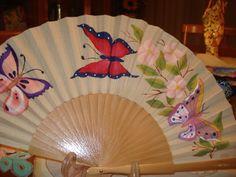 Abanico flores y mariposas Pintado a mano