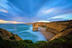 Twelve Apostles Marine National Park, Great Ocean Road, Vicroria, Australia. - what a view