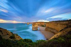 Twelve Apostles Marine National Park, Great Ocean Road, Vicroria, Australia. By: OaKy Isra