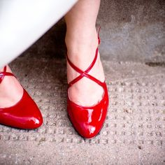 Kristin's red shoes Pumps, Heels, Red Shoes, Lace Up, Flats, Fashion, Choux Pastry, Heel, Moda