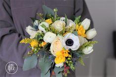 Buchet de mireasa Velvet Anemone O creatie florala care inspira veselie, pofta de viata prin cromatica jucausa dar in acelasi timp rafinata si prin textura