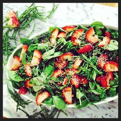 Perfect summer #salad for sharing - Spinach + Strawberry + Samphire + fig infused balsamic vinegar + #organic olive oil + cracked black pepper + a few hemp seeds to sprinkle. This is such a great combination of flavour with the salty sea vegetable, sweet fruit, bitter greens and spicy pepper all rolled into one! #samphire is a #mineral rich sea vegetable and perfectly rich in #natural good #seasalt