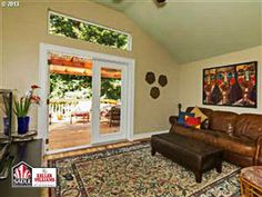 3822 SE 302ND AVE Troutdale, OR 97060  #PortlandHomes #PDX #Interiors