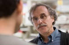 Dr. Steven Henikoff led a study that shed light on the #genome's 'black holes' and uncovered #DNA information that is essential for all human life. Story: http://www.fredhutch.org/en/news/center-news/2015/02/mapping-uncharted-human-genome.html Photo by Suzie Fitzhugh for #FredHutch #FredHutchinson #science #genetics #chromosome #centromere #research