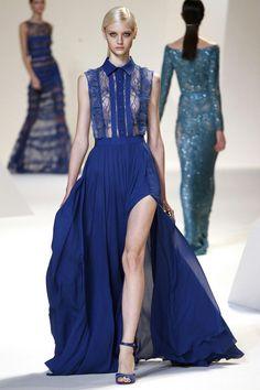 Donker blauwe jurk van Elie Saab