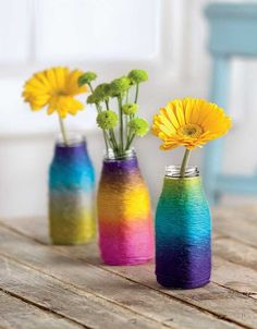 Yarn Crafts - Plush, colorful yarn is the perfect accent for creative crafting! Yarn Crafts – Plush, colorful yarn is the perfect accent for creative crafting! Diy Craft Projects, Fun Diy Crafts, Upcycled Crafts, Creative Crafts, Arts And Crafts, Crafts With Yarn, Yarn Crafts Kids, Colorful Crafts, Preschool Crafts