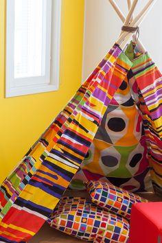 Pirteä lastenhuone maalattu Tikkurilan Harmony-sisustusmaalilla, sävyt M301 ja F458 #asuntomessut #harmony #tikkurila #sisustus #sisämaalaus #maalaus #trendit #lastenhuone #keltainen #efektiseinä
