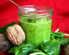 Pesto d'épinards aux noix - Spinach Walnut Pesto
