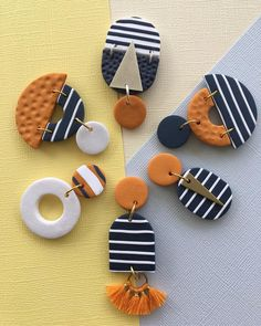 ⭐️⭐️ Mustard & Navy ⭐️⭐️ Introducing the Navy & Mustard Edit! I am loving navy and white stripes at the moment but so are you guys! I will be restocking our Etsy Shop with plenty of navy and white stripe goodness! Restock is Friday of Novem Polymer Clay Projects, Polymer Clay Creations, Polymer Clay Beads, Diy Clay Earrings, Earrings Handmade, Cool Earrings For Guys, Do It Yourself Jewelry, Bijoux Diy, Ceramic Jewelry