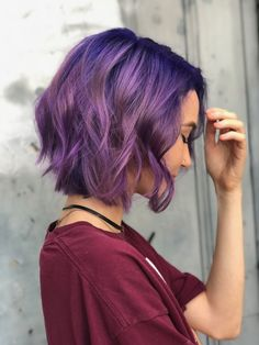 Hairstyles : ombre hair purple to pink inspirative short purple hair haircut waves curly hair collection ombre hair purple to pink Purple Ombre Hair Short, Short Dyed Hair, Dark Purple Hair, Hair Color Purple, Cool Hair Color, Hair Colours, Purple Style, Short Ombre, Curly Short