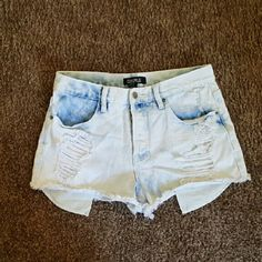 Forever 21 high waisted denim cutoffs shorts 29 Very good condition Forever 21 Shorts Jean Shorts