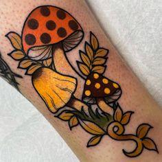 Mini Tattoos, Cute Tattoos, Beautiful Tattoos, Small Tattoos, Tatoos, Traditional Tattoo Art, Traditional Tattoo Halloween, Tattoo Flash Art, Flash Tattoos