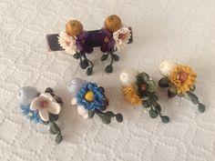 染め花と巻き玉のイヤリング(ホワイト&ブルー&グレー)