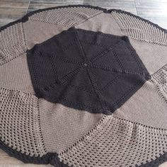 Eleusaroaria publicou no Instagram • Veja 234 fotos e vídeos em seu perfil. Foto E Video, Blanket, Crochet, Instagram, Kitchen, Profile, Pictures, Ganchillo, Blankets