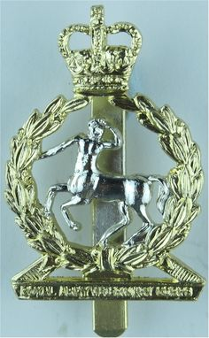 Royal Army Veterinary Corps Staybrite army cap badge for sale Queen Elizabeth Crown, Queen Crown, Army Hat, Military Cap, Crests, British Army, Badge, Learning, British People