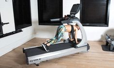 These treadmill exercises are extra fun and don't include running at all. You'll actually enjoy yourself doing this treadmill workout. Best Treadmill Workout, Treadmill Desk, Workout Gear, Gym Workouts, At Home Workouts, Treadmill Exercises, Courses, Exercises, Treadmill