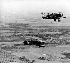 Bi-plane during first In-Flight Women's refueling endurance Record, Nov. 27, 1929 :: San Fernando Valley History