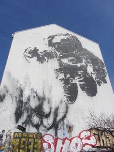 Berlin Berlin Graffiti, Mount Rushmore, Snoopy, Nature, Travel, Fictional Characters, Naturaleza, Viajes, Destinations