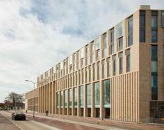 Municipal Center Nieuwe Kolk zwarte hond - Google Search: Brick Architecture, Contemporary Architecture, Architecture Details, Interior Architecture, Brick Cladding, Brick Facade, Brickwork, Facade Design, Exterior Design