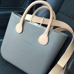 rock o bag Stylish Handbags, Fashion Handbags, Tote Handbags, Fashion Bags, Leather Purses, Leather Bag, My Style Bags, O Bag, Cloth Bags