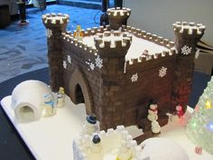 The castle I built for the ginger rogers gingerbread completion It took second place. Castle Cakes, Cookie House, Ginger Rogers, Gingerbread Houses, Christmas 2017, Cathedrals, Holiday Recipes, Castles, Birthday Candles