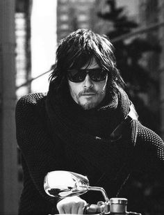 NORMAN REEDUS, such a handsome man. the guy I'm seeing resembles him slightly. Walking Dead Cast, Fear The Walking Dead, Norman Reedus, Derek Hale, Celebrity Travel, Stuff And Thangs, Daryl Dixon, Robert Downey Jr, Man Alive